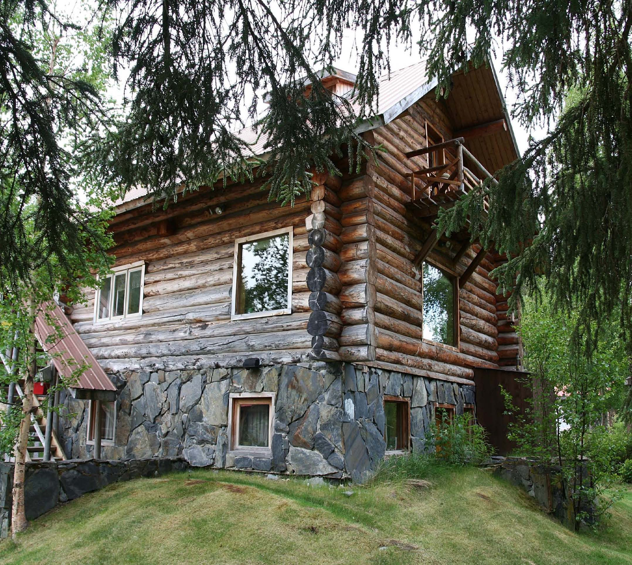 Kenai river cabins riverside cabin rentals on the kenai for Alaska cottage